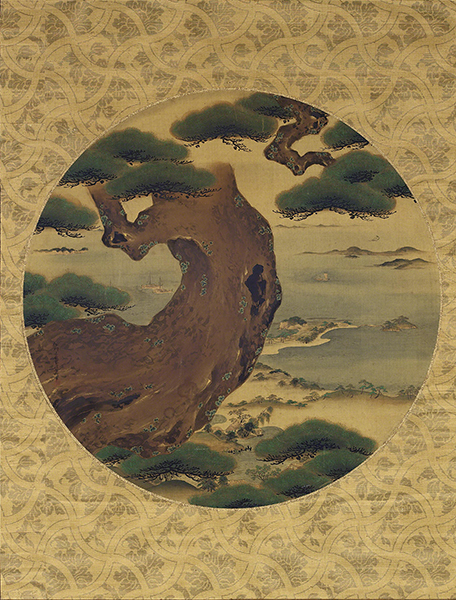 Painting by Kanō Isen'in Naganobu titled Pine in a True View Painting. Circle within a gold-leaf border with curved pine tree in the foreground and water with islands in the background.