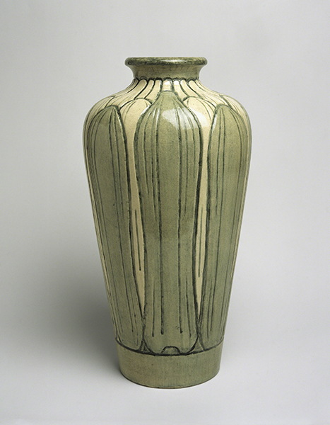 Sabina Elliott Wells (1876–1943, US) for Newcomb Pottery (1895–1940, New Orleans), Vase, 1902–1904.